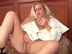 Horny plump sweetie gets screwed...