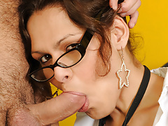 Teacher tranny Amanda returns for...