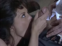 Cockloving brunette does perfect BJ