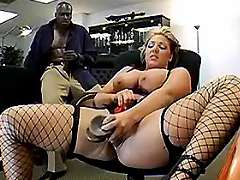 Secretary seduces boss